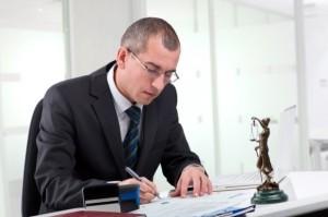 Какие предметы нужно сдавать на адвоката после 11 или 9 класса?
