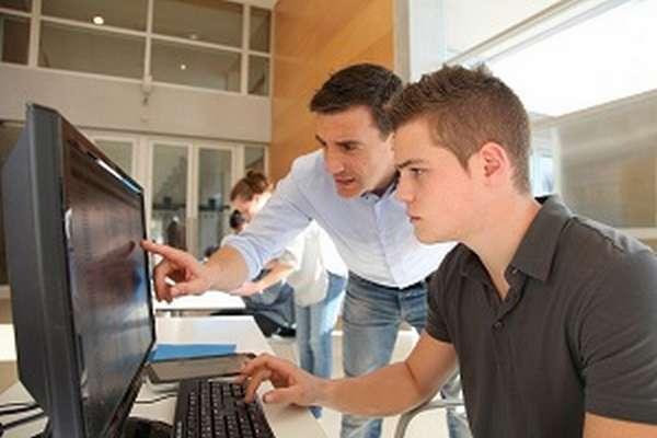 Какие экзамены нужно сдавать на программиста после 9 и 11 класса?