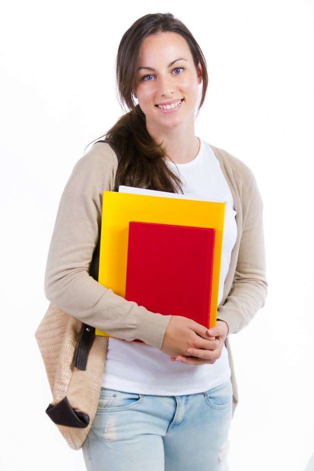 Какие предметы нужно сдавать на журналиста после 9 или 11 класса?